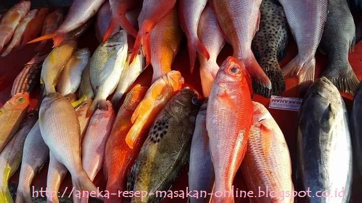"""""""TIps memilih, menyimpan dan memasak ikan segar""""  Yuk simak artikelnya. Semoga bermanfaat http://aneka-resep-masakan-online.blogspot.co.id/2015/11/tips-memilih-ikan-segar-memasak-ikan.html"""