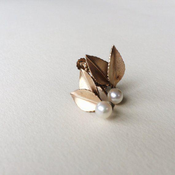 8f85cba4e9f44 Millie earrings | Gold leaf and pearl earrings, vintage Kremetz ...