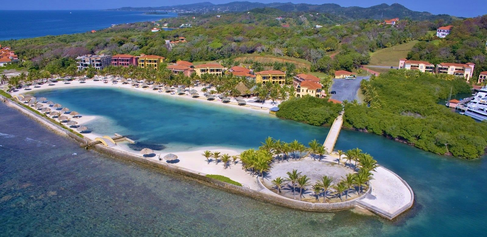 Honduras Beach Resorts Parrot Tree Resort Marina