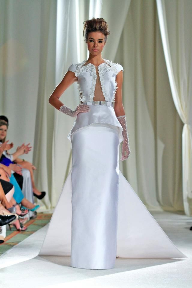 Harry robles wedding dress wedding bells pinterest for Wedding dresses puerto rico