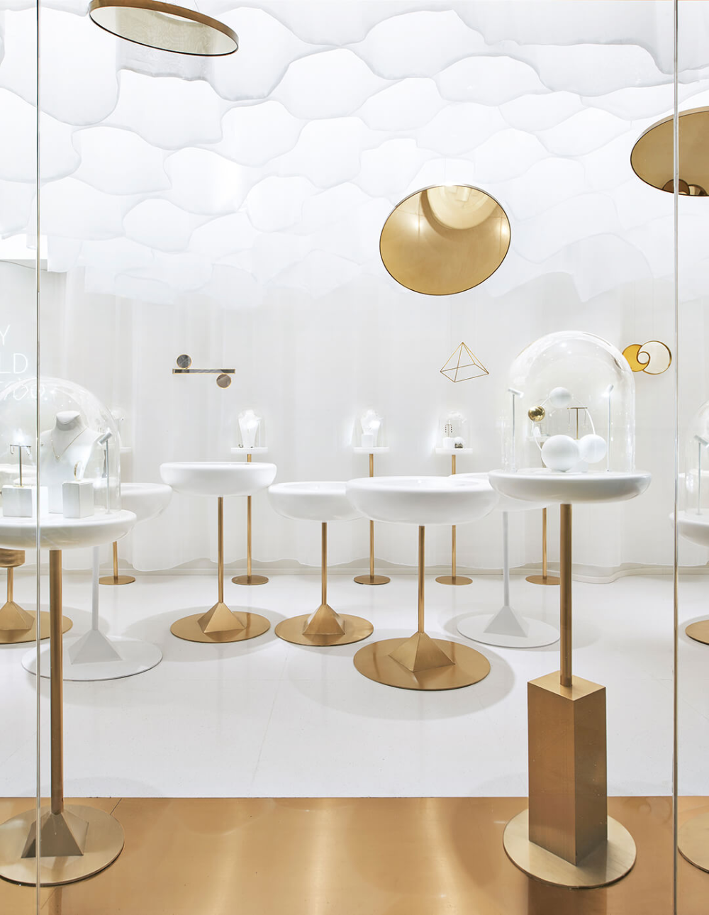 Small retail spaces shouldn't limit creativity, shows this Beijing jewellery store - News - Frameweb