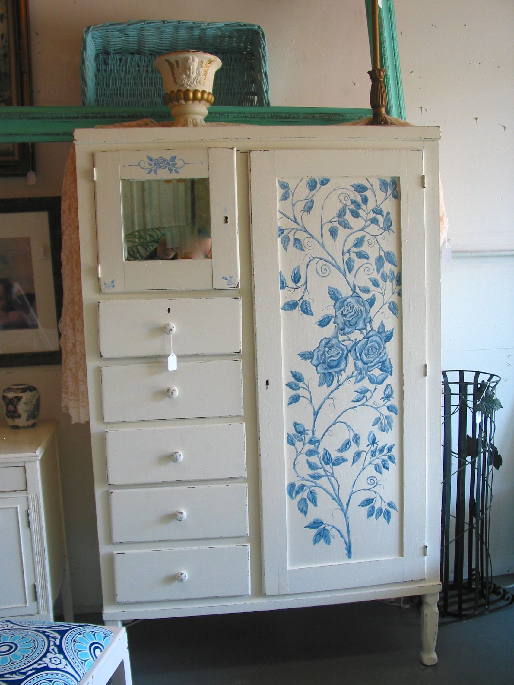 Painting furniture shabby chic - Find This Pin And More On Folkartmama Beach Decor Shabby Chic Beach Cottage Hand Painted Furniture By Folkartmama