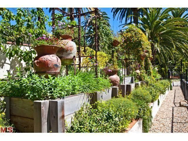 MLS # 12-631157 - 23155 Mariposa De Oro St, Malibu CA, 90265   Homes ...