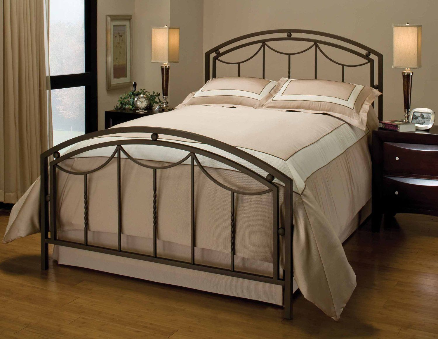 Hillsdale arlington bed set queen rails not included