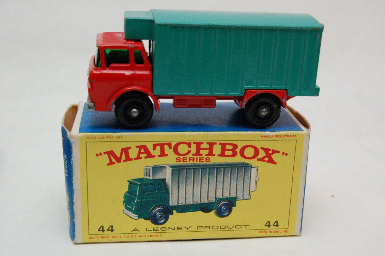No.44 GMC Refrigerator Truck & Original Box by Matchbox