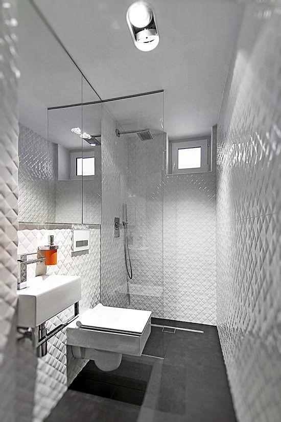 20 banheiros e lavabos pequenos e claros Piso preto, Banheiro - lavabos pequeos