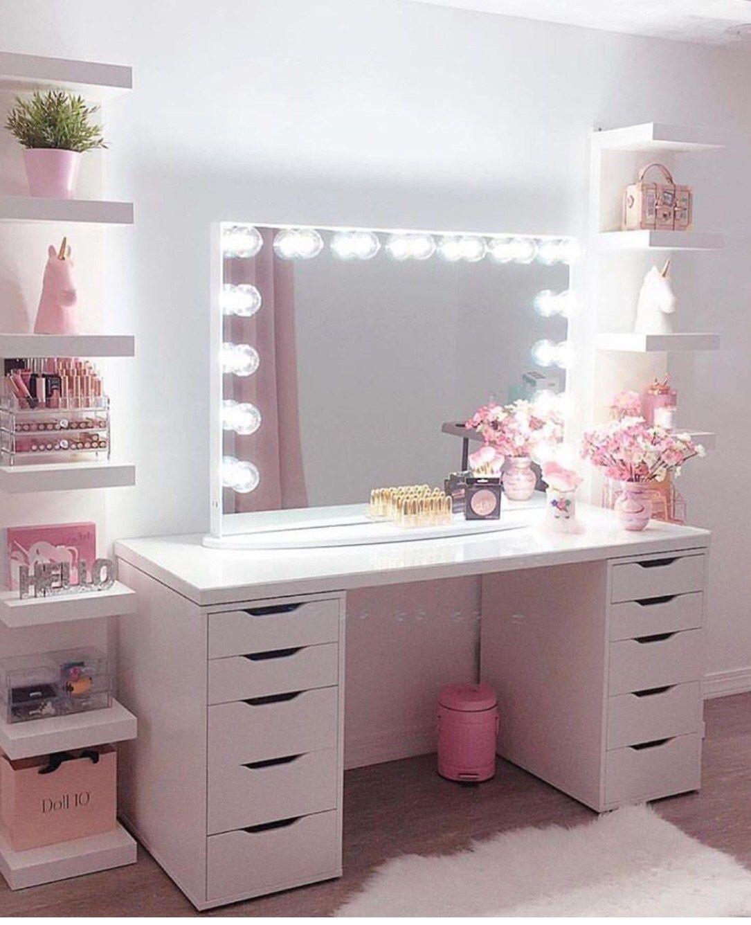 30 Beautiful Glam Room Ideas