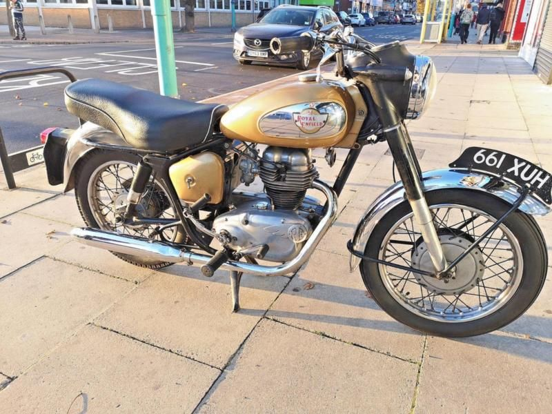 Lovely Classic Royal Enfield Crusader Sports 250cc Vintage