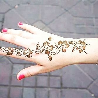 Cute and easy henna designs on back hand side also simple traditional arabic mehndi in rh pinterest