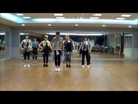 Uptown Funky Line Dance Beginner Level Youtube Line Dancing Dance Workout Videos Uptown Funk Dance