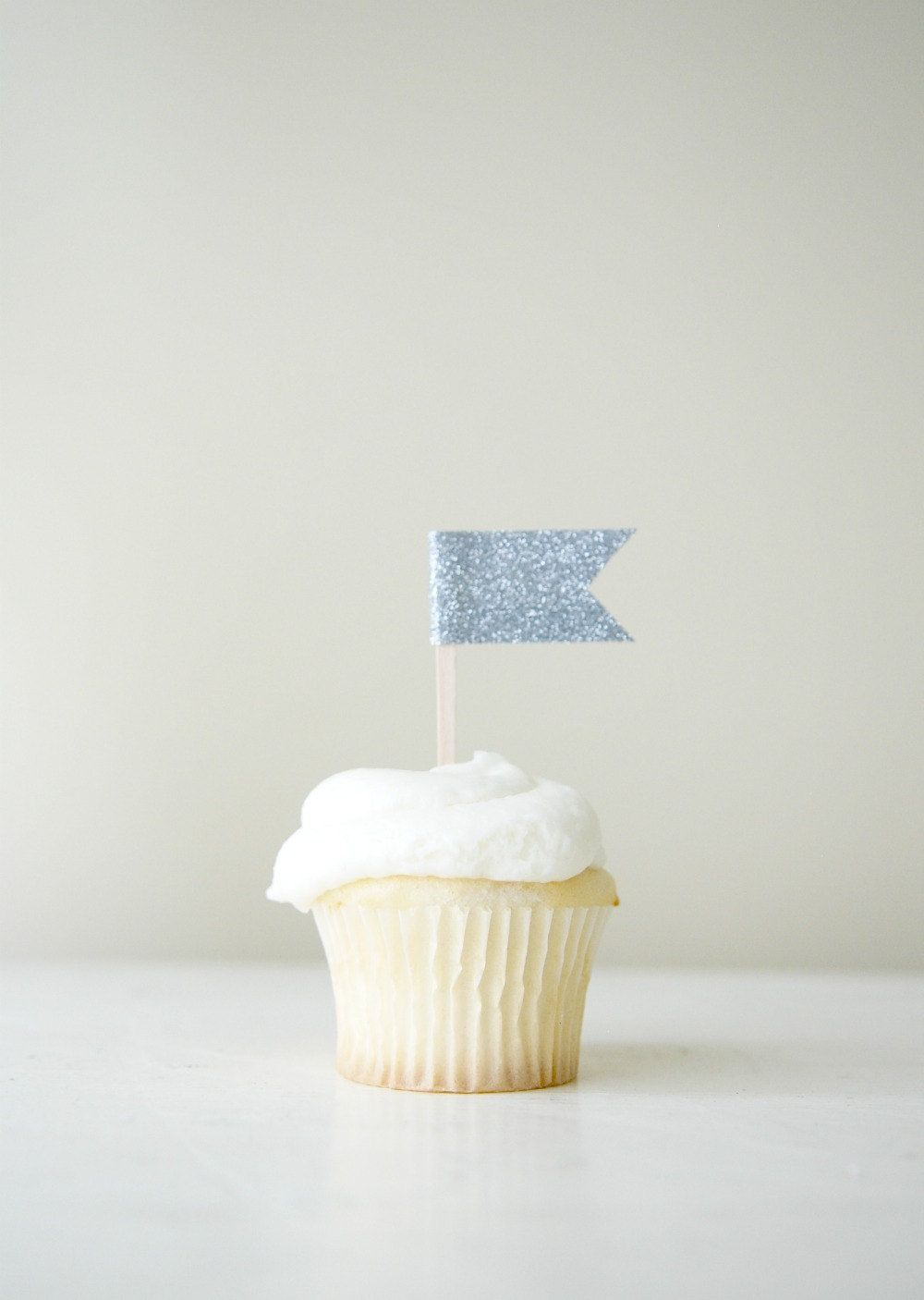 Glitter Flag Cupcake Topper..simple yet adorable.. | cupcake toppers ...