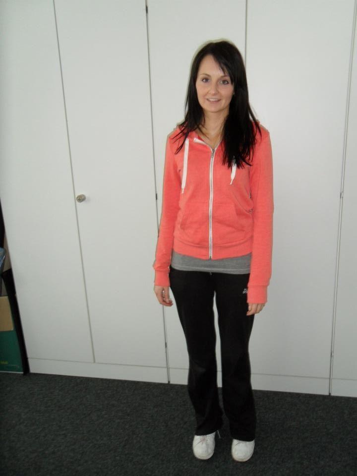 Auch Irina hat das Büro-Outfit gegen eine #Jogginghosen Kombination getauscht.