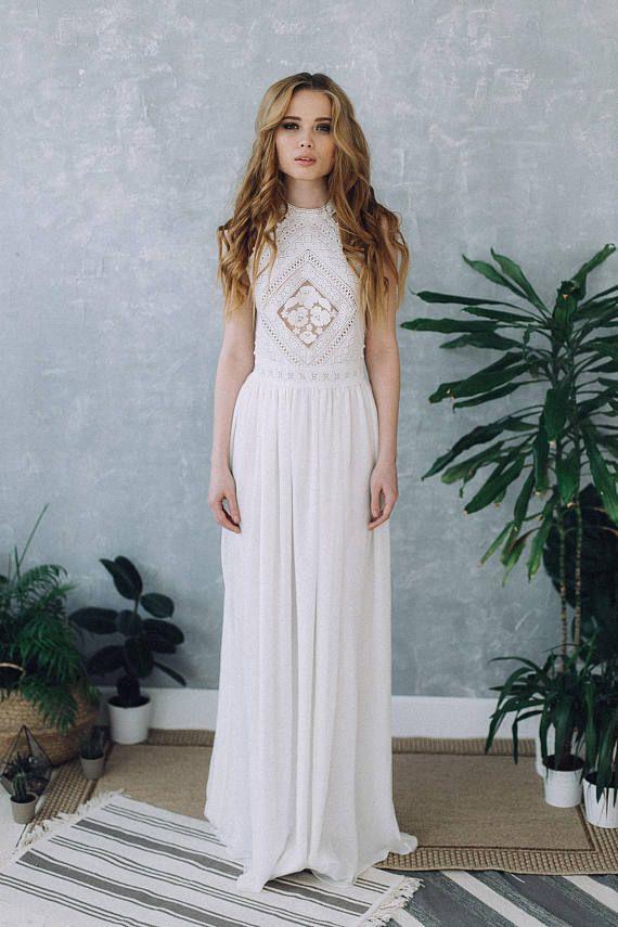 Perfekte Brautkleid in warm weiß. Langes Kleid auf den Boden. Oben ...