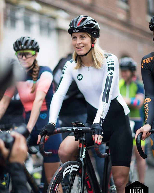 On the line at La Petite Course crit in Paris a few weeks ago. That was one hell of a fun race! Photo: @caropaulette for @lapetitecourse @assosofswitzerland @met_helmets @chargebikes @ffwdwheels