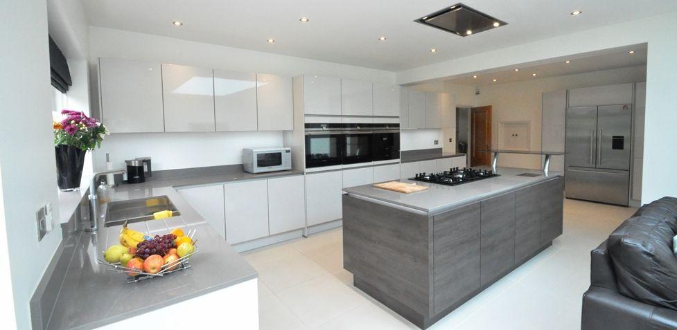 Nobilia Kitchen 555 Lux 819 Lacquer Satin Grey Hg 002 Handle