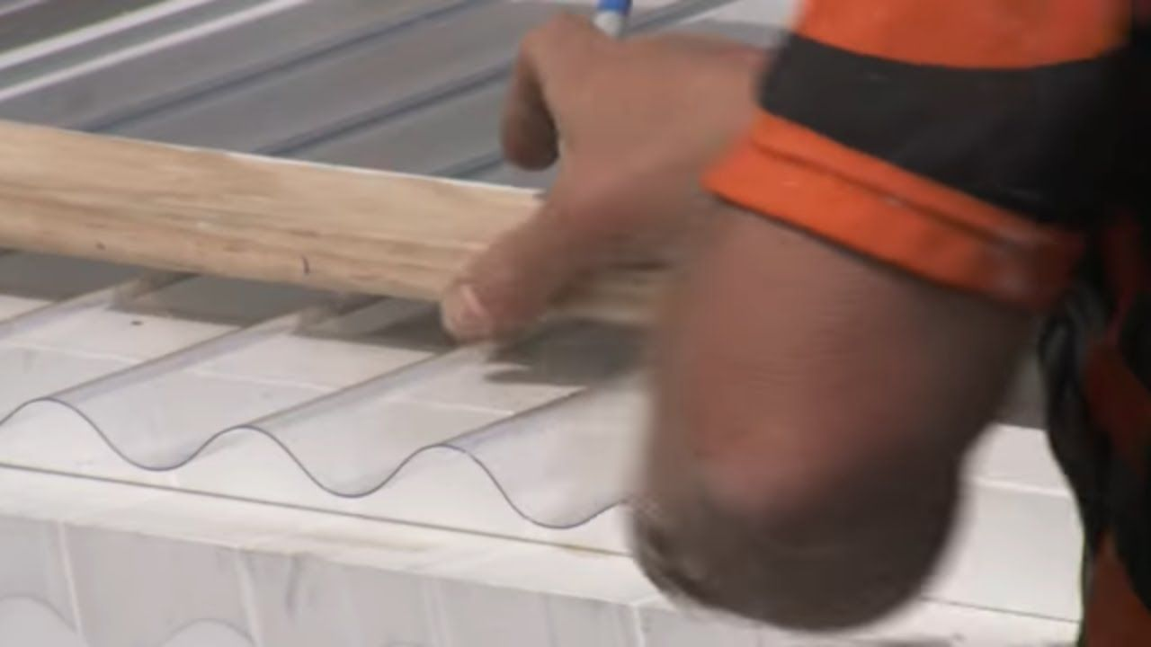 How to install corrugated polycarbonate roofing mitre 10