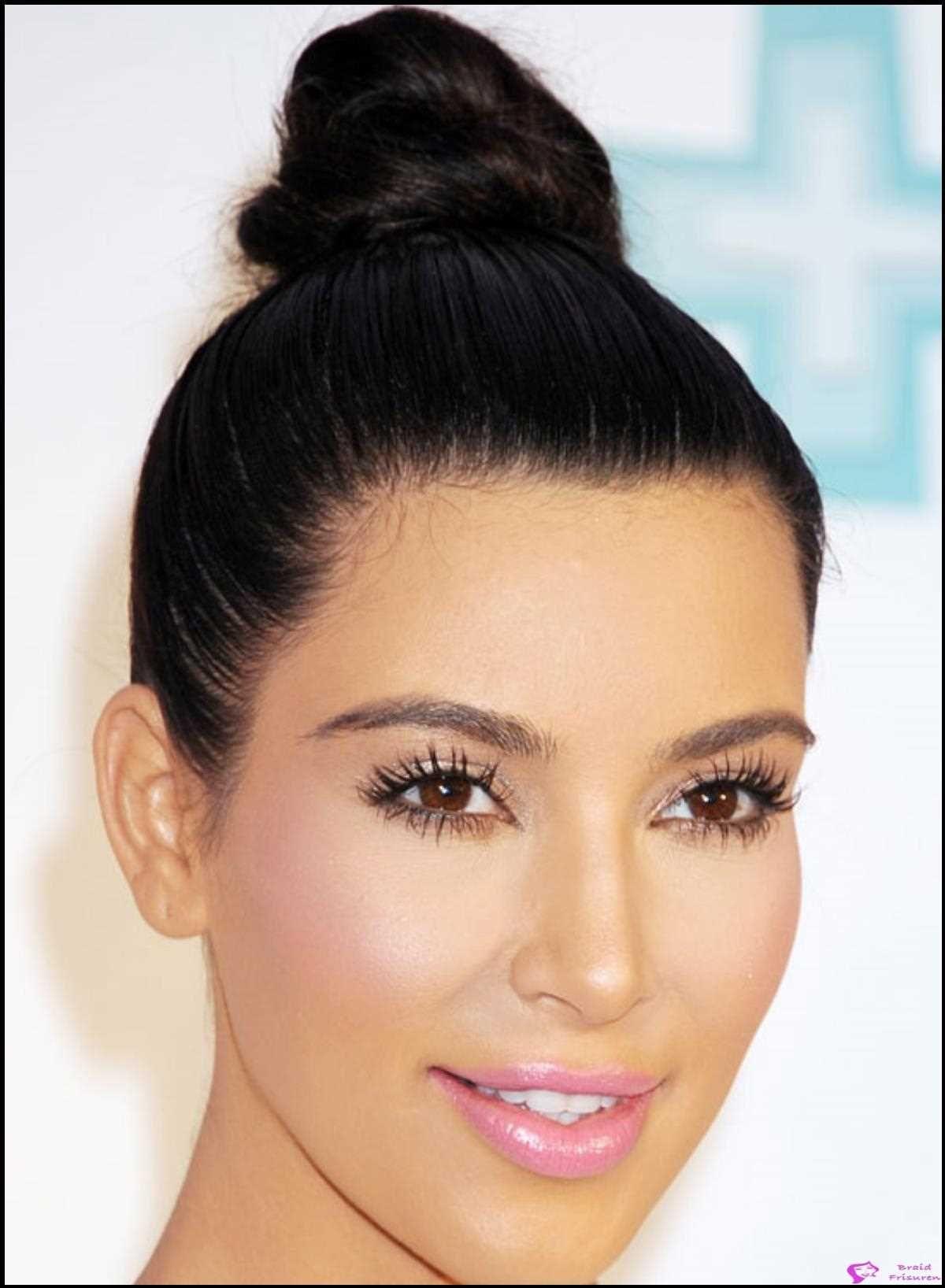 Die 50 Besten Kim Kardashian Frisuren Fur Frauen Und Damen 2021 In 2021 Haar Styling 50er Frisur Edele Frisuren