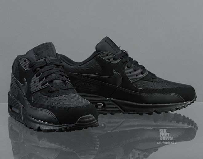 Shoes NIKE Air Max 90 Essential 537384