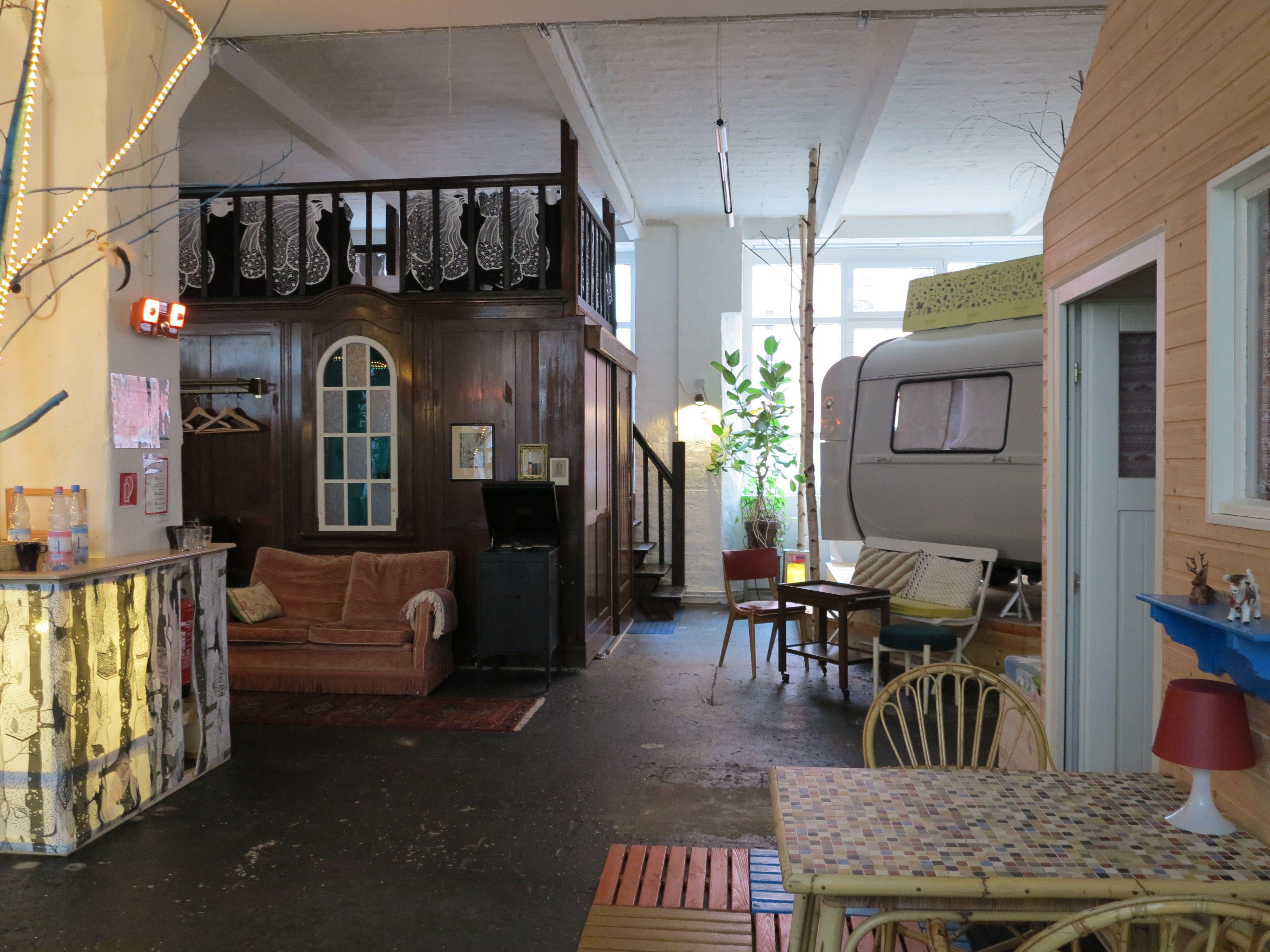 huettenpalast berlin travel pinterest indoor camping. Black Bedroom Furniture Sets. Home Design Ideas
