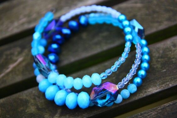 Handmade blue glass and gemstone combo memory wire bracelet by Sitaras Collection