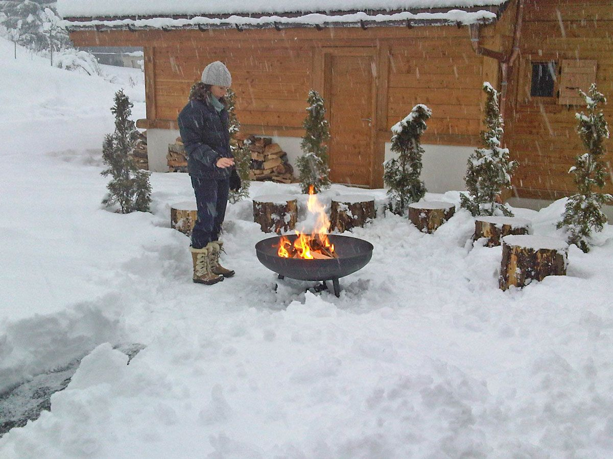 Winter Firepit With Stump Stools For Making S Mores