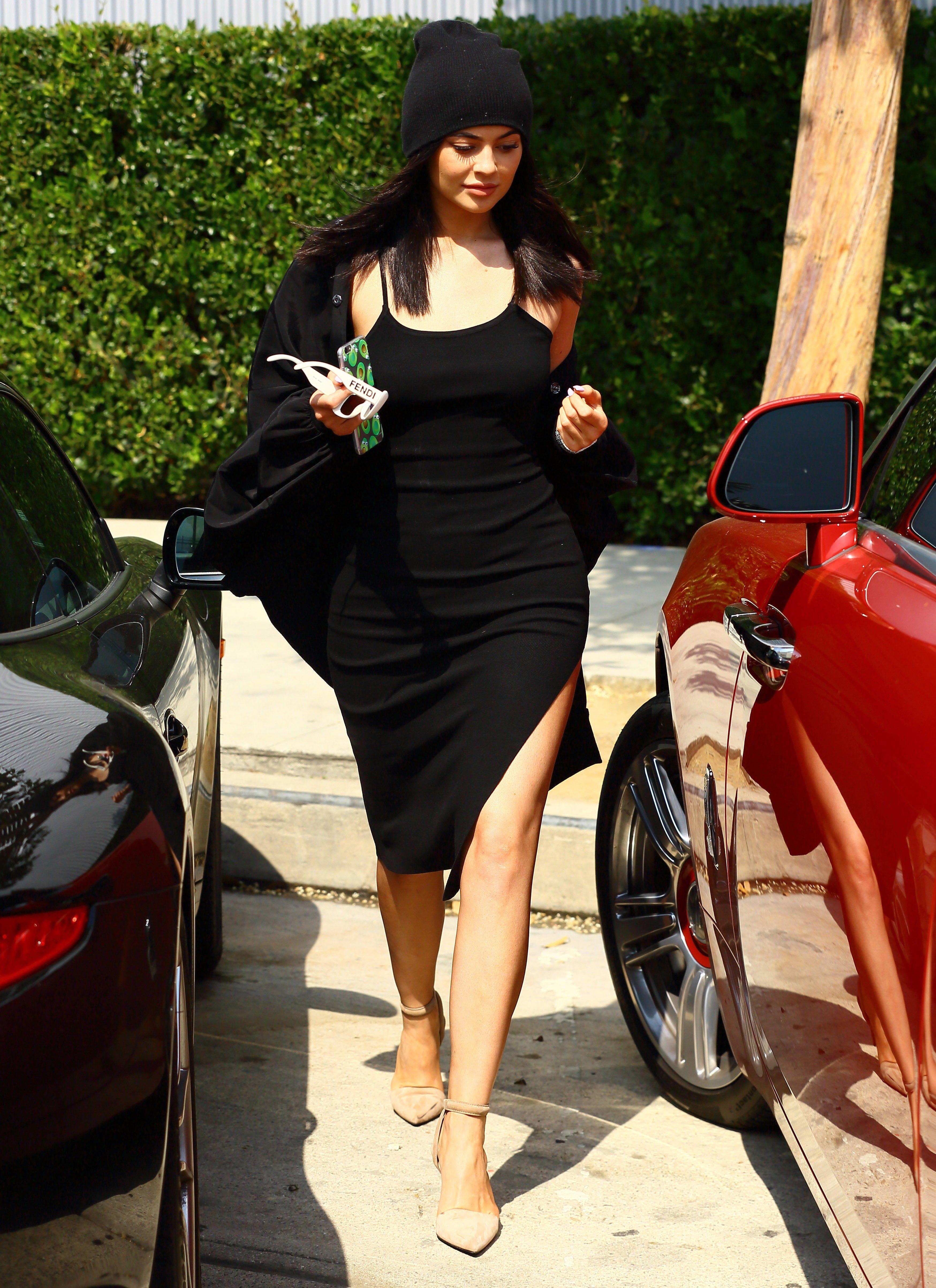 dress - Kylie decoding jenners style video