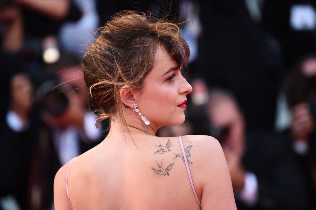 Johnny Depp Y Amber Heard Protagonistas Del Festival De Venecia Magazinespain Com Dakota Johnson Tattoos Dakota Johnson Tattoos