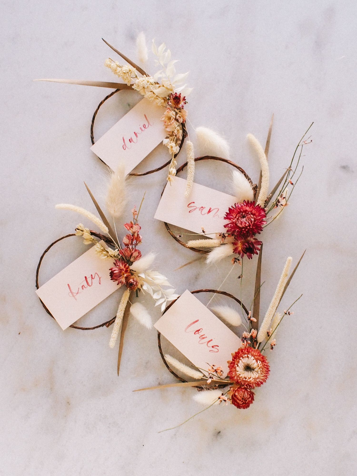 Photo of How to Make Mini Dried Floral Wreath Place Cards | DIY with Video — A Fabulous Fete