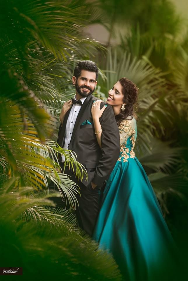 Very Stylish Couple Photo By Gurinder Photography Patia Indian Wedding Photography Couples Indian Wedding Couple Photography Wedding Couple Poses Photography