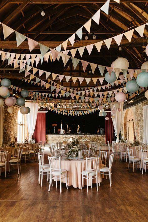 Natalie & Julian: Romantische Vintage-Hochzeit in Pastell #romanticlace