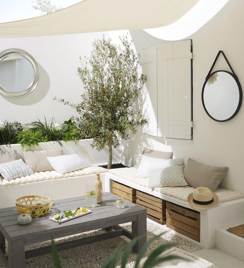 les miroirs donnent de la profondeur aux murs ogr dki en. Black Bedroom Furniture Sets. Home Design Ideas