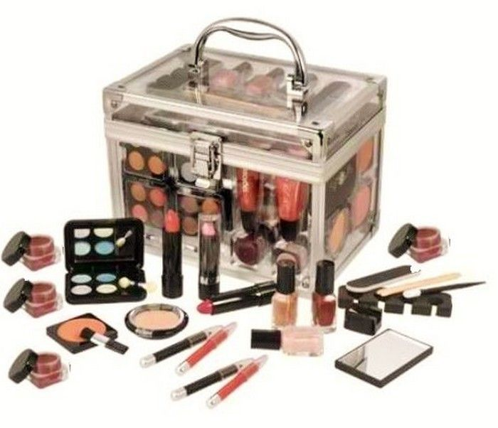 e726febb1669 List Of Items In Makeup Kit | Make Up Tips | Professional makeup kit ...