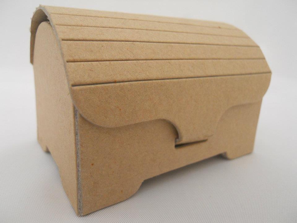 C mo hacer un cofre de cart n imagui baul pinterest cart n cofre y caja de cart n - Como hacer un baul para guardar juguetes ...