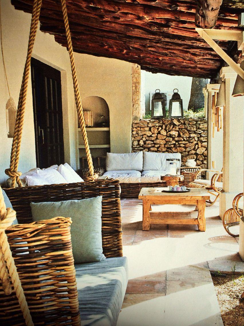 mediterrane terrasse gem tliche holzm bel kuschelige sitzecken und ein passender ausblick. Black Bedroom Furniture Sets. Home Design Ideas