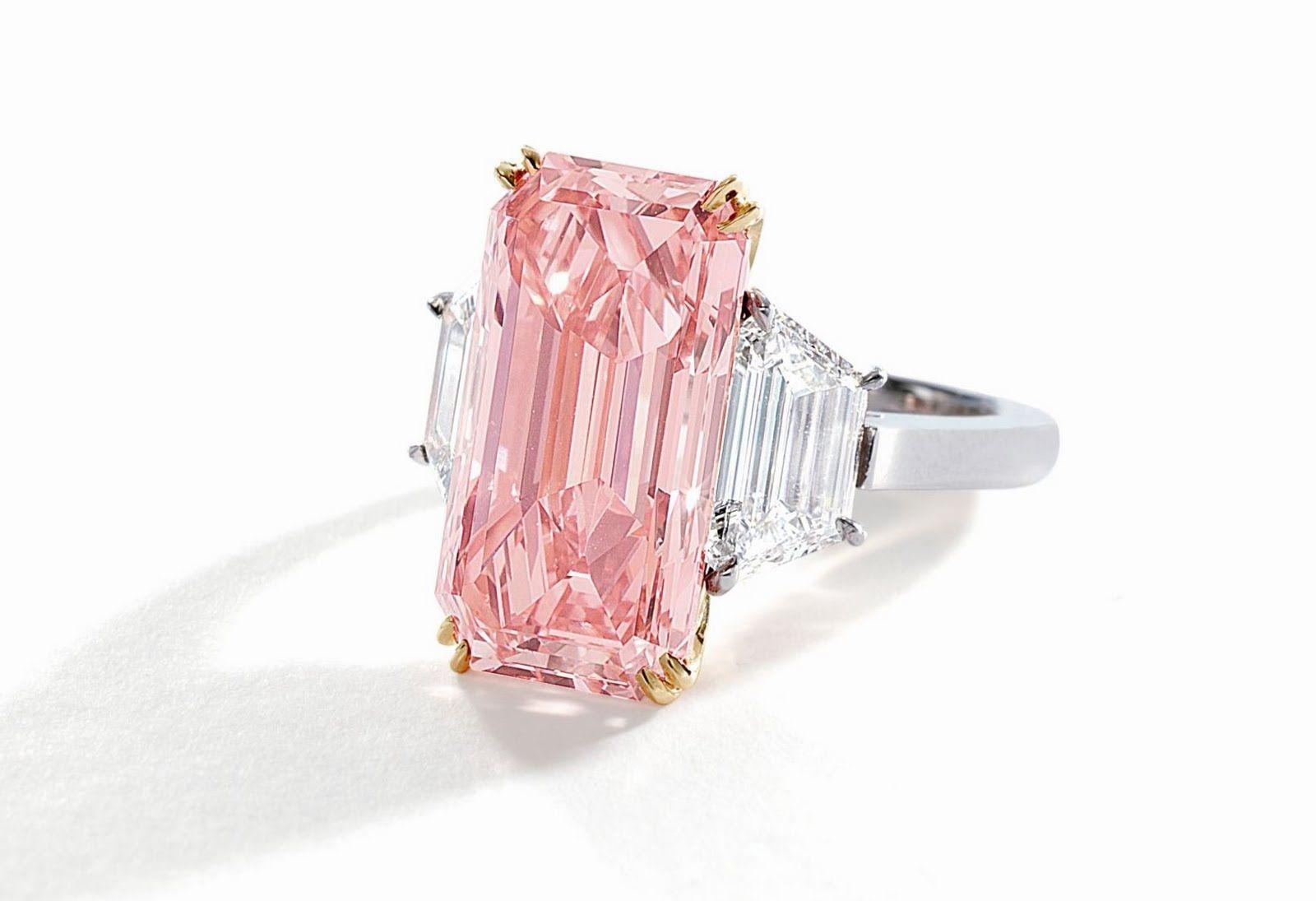 Golconda Pink\'\', an Important and Rare 9.27-Carat Fancy Vivid ...