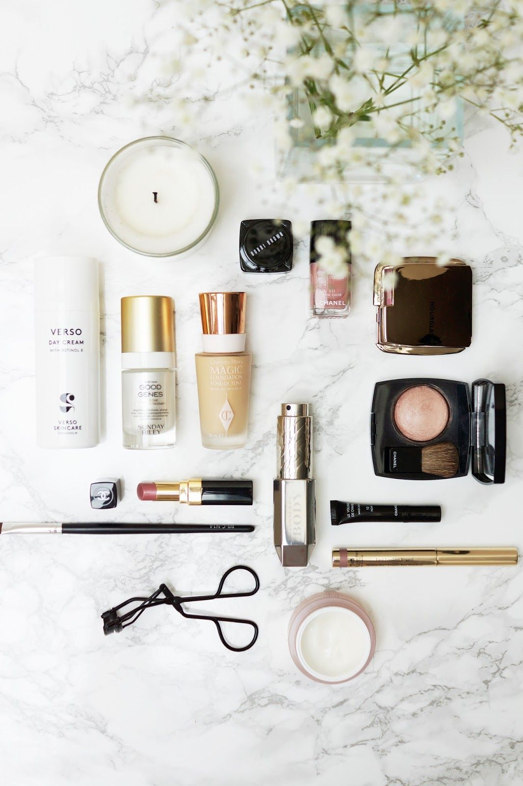 12 EASY & AFFORDABLE BLOG PROP IDEAS Flat lay