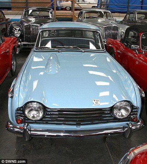 classic Triumph TR5