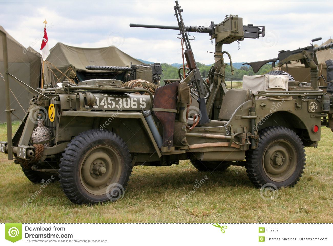 world war ii jeep fightin 39 forties pinterest jeeps military and military photos. Black Bedroom Furniture Sets. Home Design Ideas