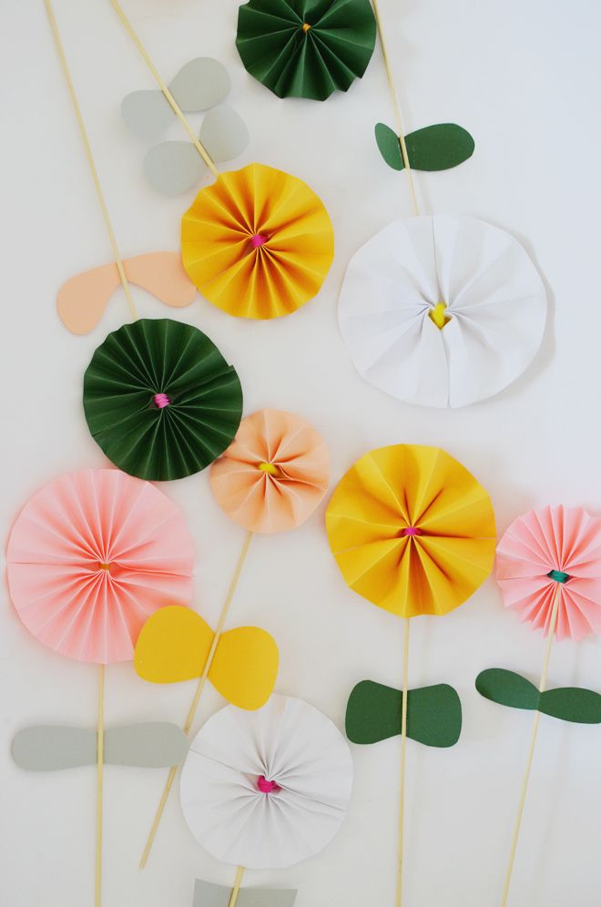 Diy accordion fold paper flowers kidsdinge httpswww diy accordion fold paper flowers kidsdinge https mightylinksfo Choice Image