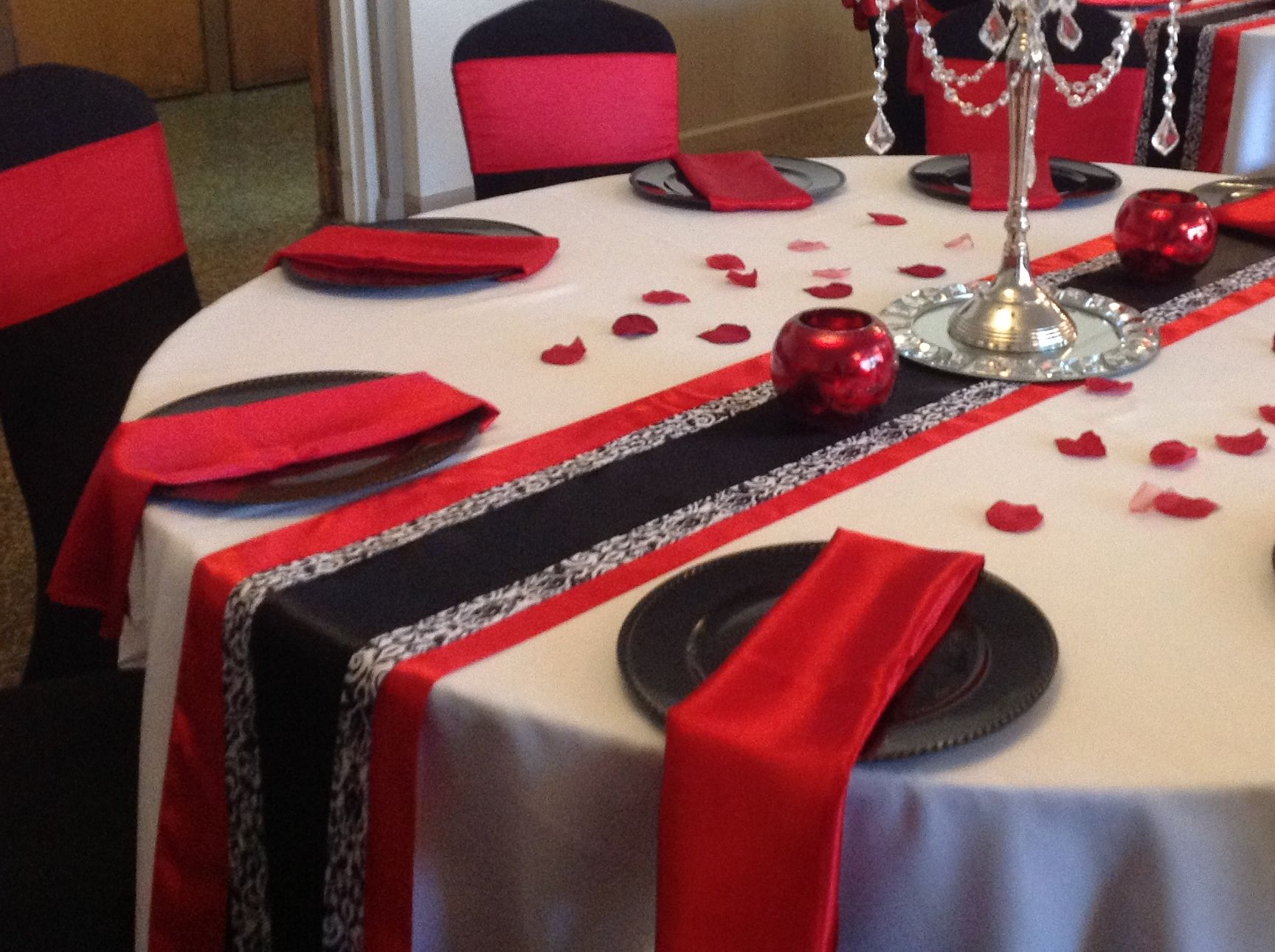 A Beautiful Table Setting ~ Design & Decor collaboration with Simply Elegant Events By Kim in Indianapolis, IN at The Knights of Columbus   Check us out!!!