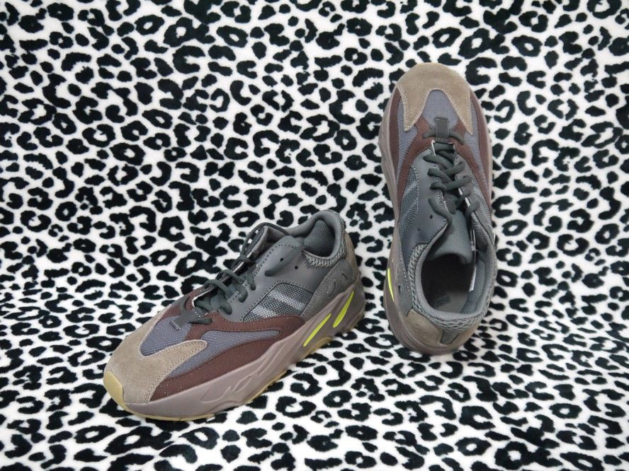 bbabe5bed Adidas Yeezy Boost 700 Mauve Wave Runner Size 8.5 Men s Running Shoes EE9614   fashion  clothing  shoes  accessories  mensshoes  athleticshoes (ebay link)