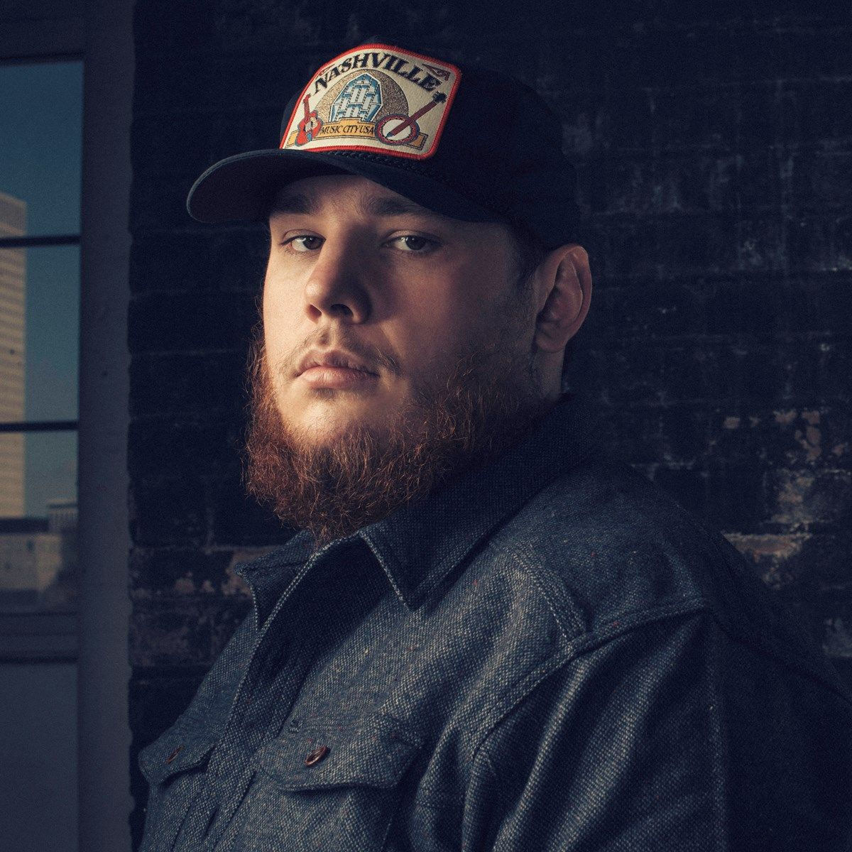 See Luke Combs At The Route 91 Harvest Festival In Las Vegas And Tee Off With Luke At A Vip Top Golf Experience Country Musicians Luke Country Music Singers