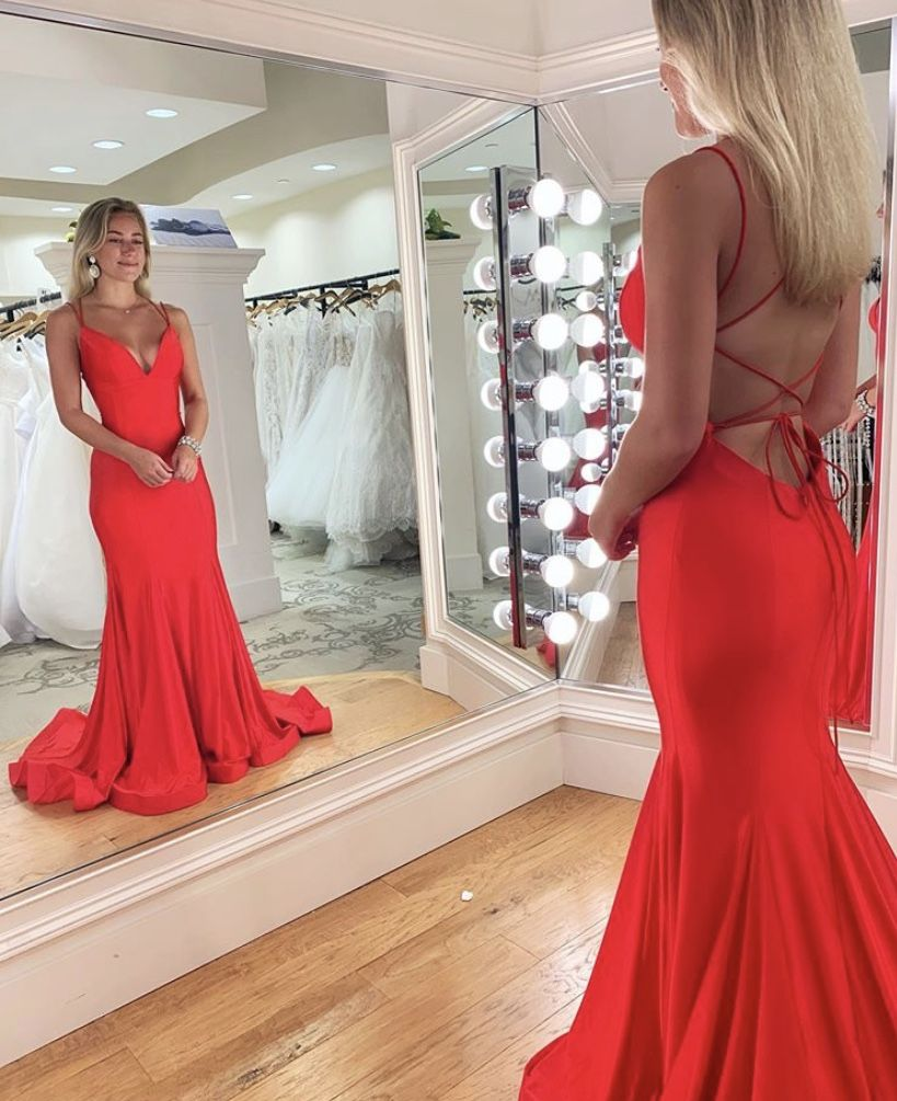 East Atlanta Maxi Dress Navy In 2020 Trendy Prom Dresses Cute Prom Dresses Prom Outfits