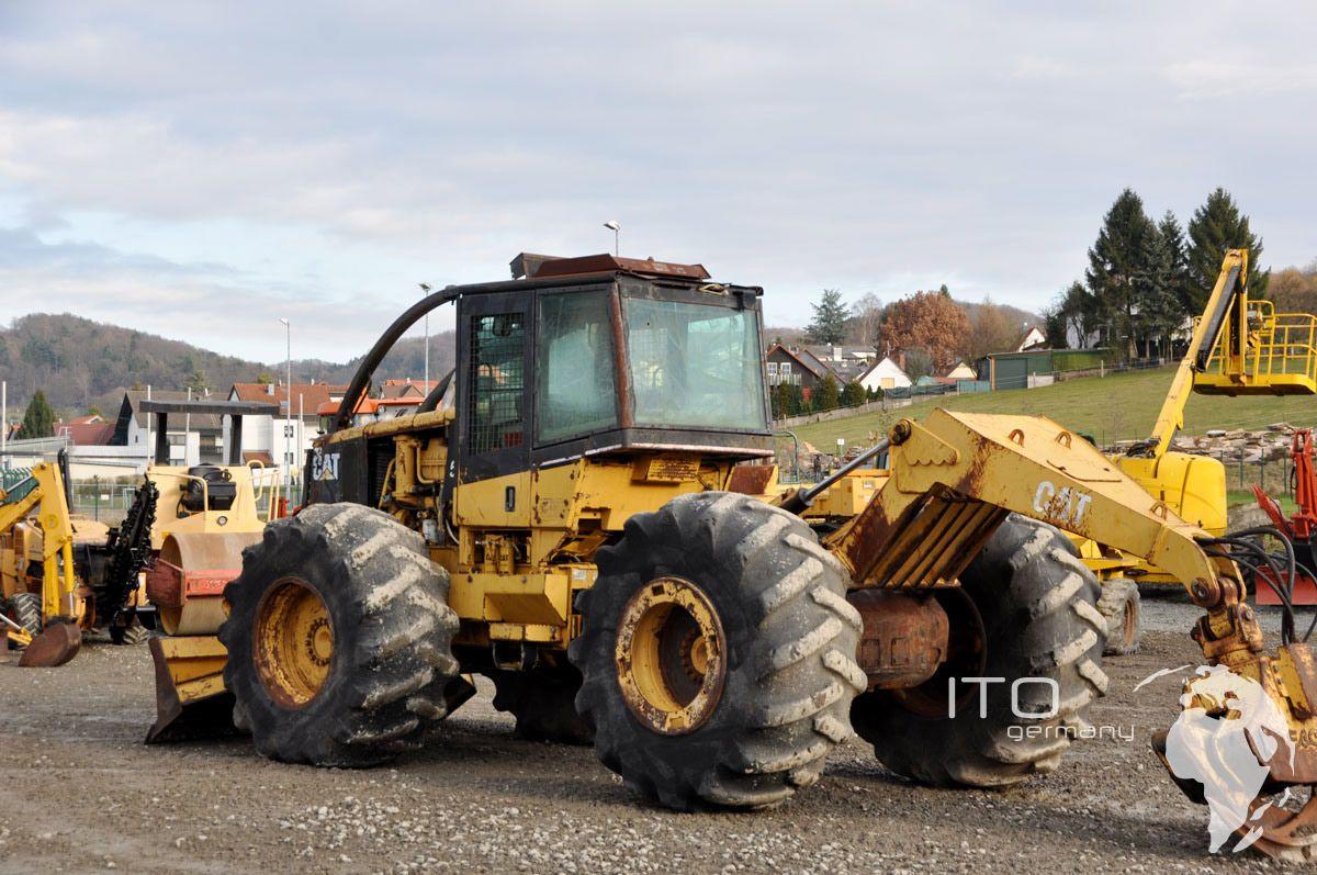 Caterpillar Skidder günstig kaufen hier unter http://www.ito-germany.de/cat-525b-skidder-gebraucht #cat #caterpillar #skidder #landmaschinen #baumaschinen #heavyequipment #used #sale