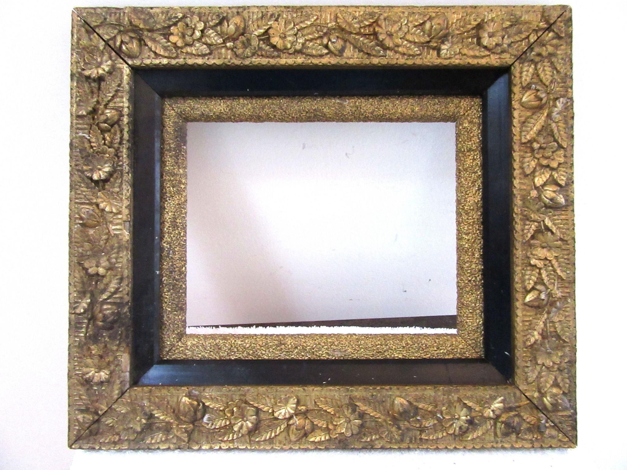 Antique Victorian Ornate Wood And Gesso Gold Gilt Picture Frame