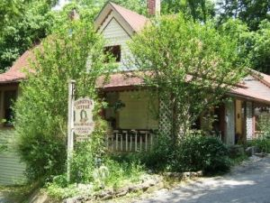Our First B B Stay Candlestick Cottage Eureka Springs 1993 Eureka Springs Cottage Romantic Cabin