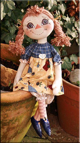 Mary-Mary cloth doll  created by Paula Carter  www.allbear.co.uk    #doll #cloth #artdoll #dolly
