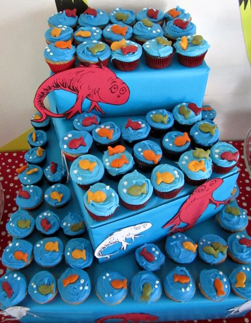Dr Seuss themed birthday party I especially love the cute one fish