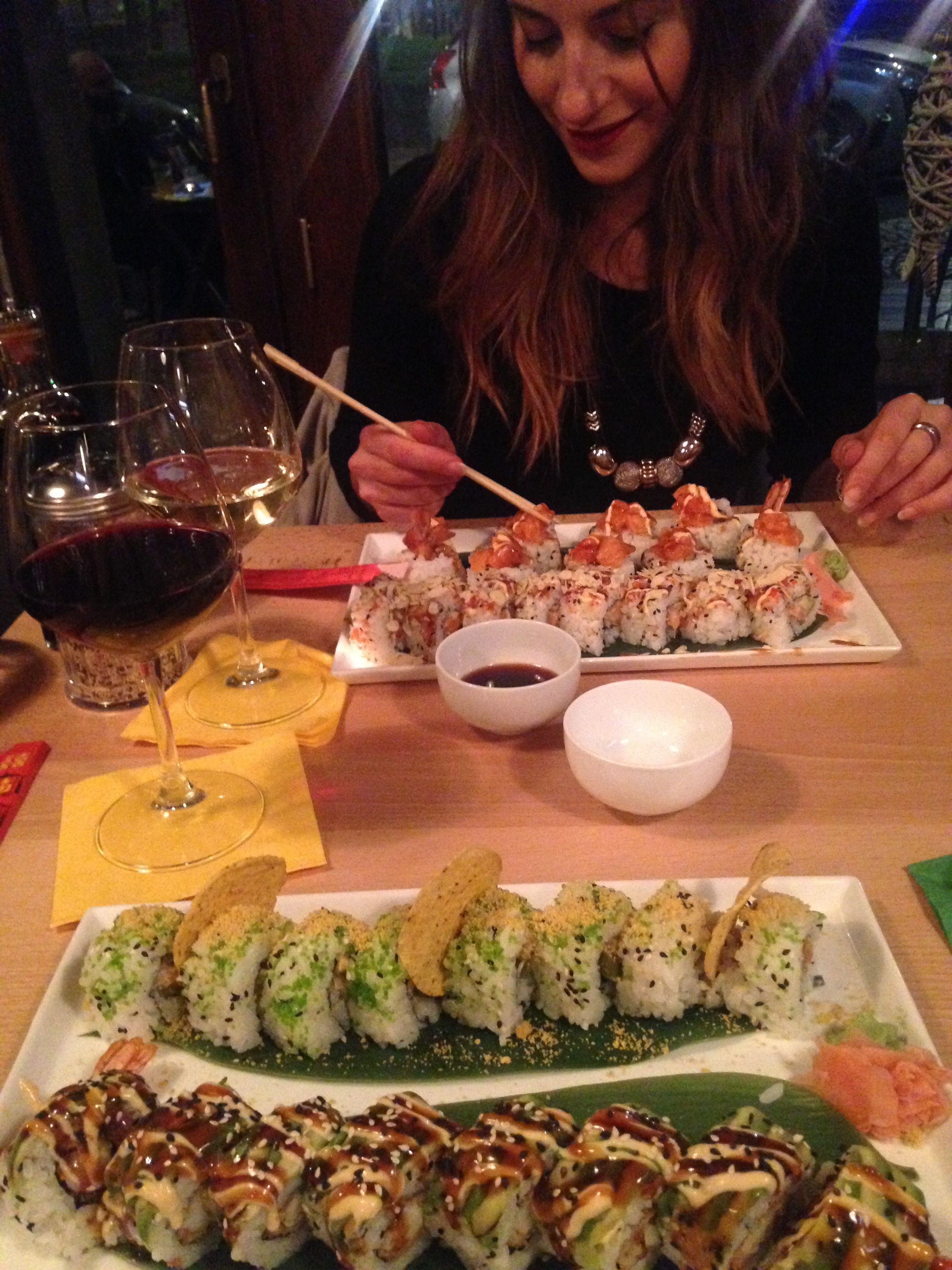 Questa foto rappresenta una cena con la mia ragazza Mi ricorda un dei tanti momenti