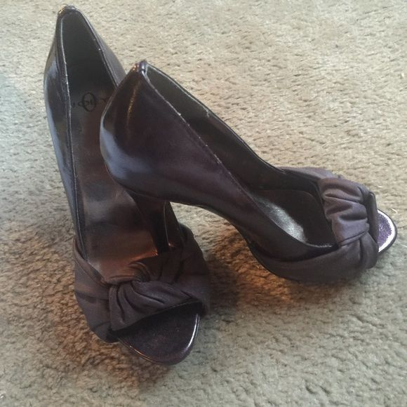 Beautiful Purple heels Heels by Joey perfect for casual or dress, only worn once. Joey Shoes Sandals